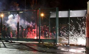 Des affrontements ont eu lieu entre la police et des supporteurs de Saint-Etienne, le 15 décembre 2017.