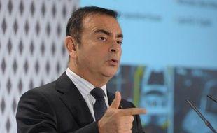 """Le PDG de Renault, Carlos Ghosn, a affirmé samedi que le constructeur automobile allait être """"obligé d'embaucher"""" dans son usine de Flins (Yvelines) choisie pour fabriquer, à partir de 2016, la prochaine génération de la Nissan Micra."""