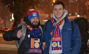 Les Ukrainiens Ruslan et Igor se sont retrouvés mercredi pour assister, pour la première fois de leur vie, à un match de leur équipe favorite, l'OL.