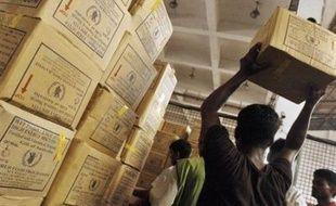 L'envolée des cours mondiaux du riz va aussi avoir un impact sur l'aide humanitaire en Birmanie car les organisations spécialisées devront débourser plus que d'habitude pour nourrir le million et demi de sinistrés du cyclone Nargis.