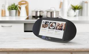 JBL a dévoilé une enceinte avec écran qui intègre le Google Assistant au CES, le 8 janvier 2018.