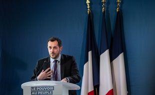 Le député européen RN Nicolas Bay visé par une enquête pour provocation à la haine raciale après une vidéo tournée devant la future mosquée dans l'Eure.