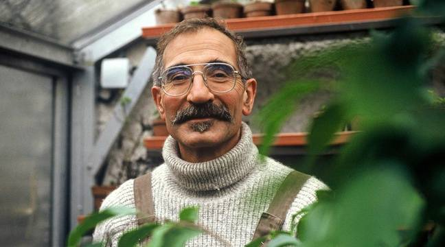 connu pour ses mains vertes et sa moustache l 39 animateur t l nicolas le jardinier est d c d. Black Bedroom Furniture Sets. Home Design Ideas
