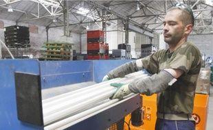 La machine à recycler les tubes fluorescents a coûté 350 000€.