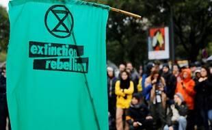 Len logo d'Extinction Rebellion lors d'une précédente manifestation à Paris. (archives)