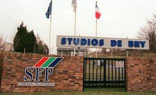 Entrée des studios de cinéma et de télévision, le 6 février 1996 à Bry-sur-Marne
