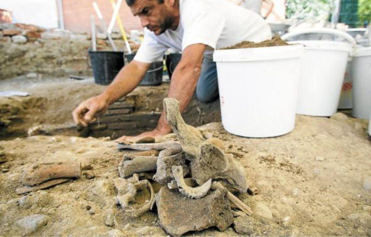 Les fouilles ont révélé la présence d'un immense bâtiment de l'époque wisigothique, au Ve siècle. –