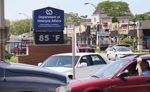 Les autorités américaines enquêtent sur une dizaine de morts suspectes survenues dans un hôpital pour anciens militaires.