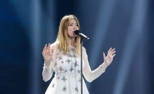Blanche, candidate de la Belgique à l'Eurovision 2017, lors de sa deuxième répétition au Centre d'expositions de Kiev (Ukraine), le 4 mai 2017.