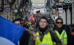 Des milliers de jaunes ont défilé à Bordeaux pour l'acte XIII.