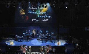 A l'intérieur du Staples Center, à Los Angeles, le jour de la cérémonie d'hommage à Michael Jackson
