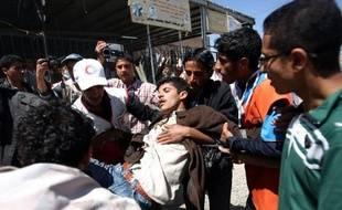Au moins 19 Yéménites, des partisans et des adversaires du régime, ont été tuées dans la nuit de mardi à mercredi dans des violences à Sanaa et Taëz (sud-ouest), selon des sources médicales.