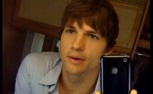 Ashton Kutcher s'auto-filme