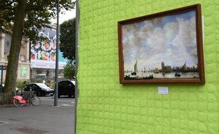 L'art s'affiche sur la pub pour protester contre la pub qui s'affiche sur l'art, selon la formule du collectif Résistance à l'agression publicitaire.