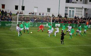 En avril 2017 dans la catégorie U17, le derby avait notamment été bouillant à l'Etrat, avec la présence de nombreux ultras stéphanois.