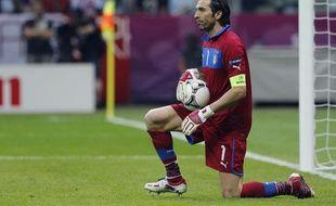 Le gardien de l'équipe d'Italie, Gianluigi Buffon, lors de la demi-finale de l'Euro contre l'Allemagne le 28 juin 2012 à Varsovie.
