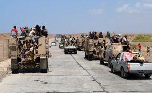 Les forces gouvernementales yéménites se dirigent le 1er octobre 2015 vers le détroit stratégique de Bab Al-Mandeb, par lequel transite une bonne partie du trafic maritime mondial
