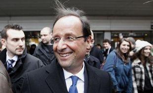 A trois mois du premier tour, la présidentielle française se présente sous un jour inédit, car le duel attendu entre le sortant Nicolas Sarkozy et son adversaire socialiste François Hollande laisse place à un quatuor réunissant aussi l'extrême droite et le centre.