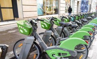 Des Vélib' à Paris. (Illustration)