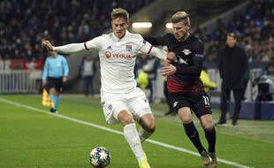 Ici au duel avec Timo Werner lors d'un choc de Ligue des champions contre le RB Leipzig en décembre 2019, Joachim Andersen ne s'est jamais imposé sous le maillot lyonnais.