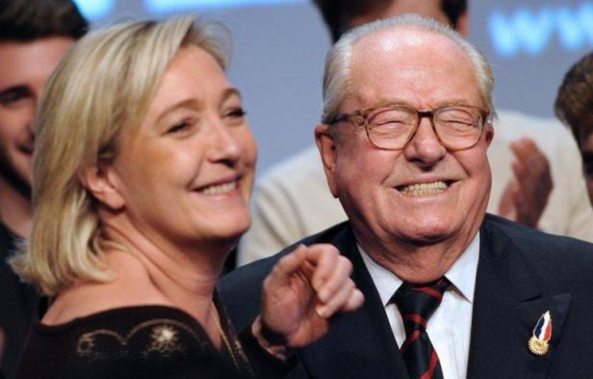 """L'ancien leader du Front national Jean-Marie Le Pen décrit sa fille, Marine Le Pen, qui lui a succédé à la tête du Front National, comme une """"petite bourgeoise"""", dans une interview publiée vendredi par le quotidien britannique The Times. – Philippe Huguen afp.com"""