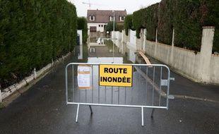 Les rues de communes proches de la Marnes ont été inondées