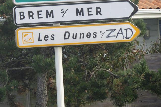 Certains panneaux sont rebaptisés à Brétignolles-sur-Mer.