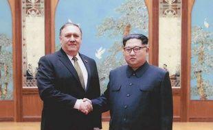 Mike Pompeo et Kim Jong-un lors de leur rencontre secrète le week-end de Pâques.