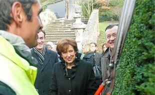 Roselyne Bachelot a salué des bénéficiaires de contrats uniques d'insertion.