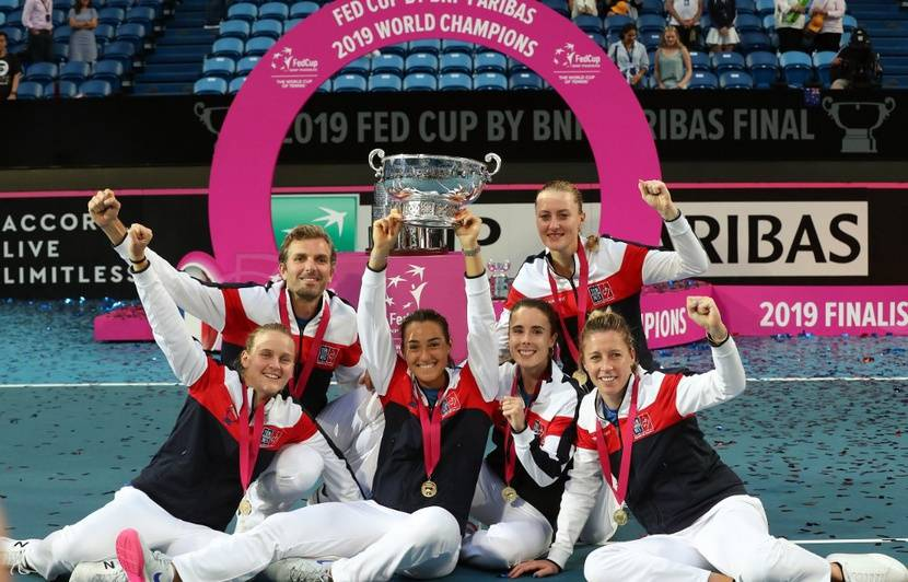 Fed Cup : Les Bleues de Mladenovic et Garcia renversent l'Australie de Barty pour gagner le 3e titre de leur histoire