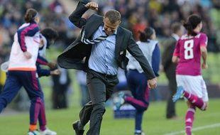 Le coach lyonnais Patrice Lair, le 17 mai 2012, lors de la victoire de l'OL en finale de la Ligue des champions.