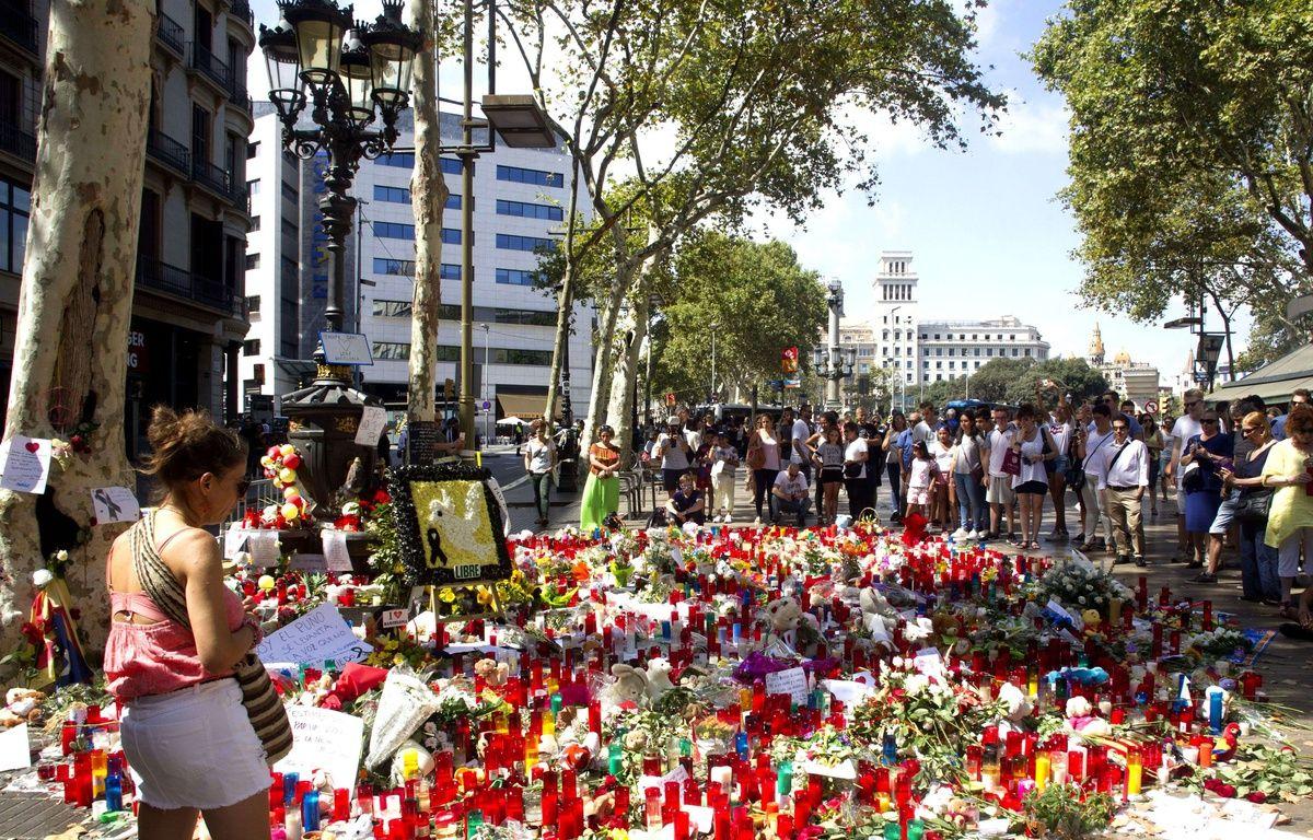 Recueillement et hommages sur les Ramblas après le double attentat à Barcelone et Cambrils, le 20 août 2017. – Ignace/DYDPPA/Shutterst/SIPA