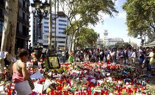 Recueillement et hommages sur les Ramblas après le double attentat à Barcelone et Cambrils, le 20 août 2017.