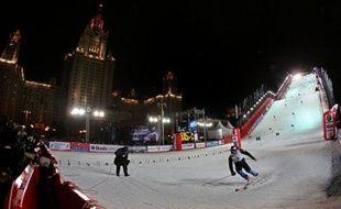 La Coupe du monde de ski alpin délaisse les montagnes pour faire escale en ville mardi soir à Moscou avec un slalom en duels (17H45 GMT), au terme duquel l'Autrichien Marcel Hirscher a toute chance de basculer en tête au classement général.