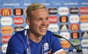 Kolbeinn Sigthorsson tout sourire. C'était le 17 juin 2016 pendant l'Euro en France...