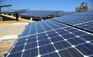Le directeur général d'EDF Energies nouvelles Antoine Cahuzac, en visite en Israël, a annoncé le lancement du premier projet de ferme solaire photovoltaïque coproduit par la filiale d'énergies renouvelables d'EDF au kibboutz Gvoulot, dans le désert du Néguev (sud).