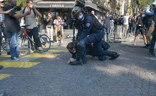 La proposition de loi restreint notamment la diffusion d'images des agents des forces de sécurité dans l'exercice de leur fonction