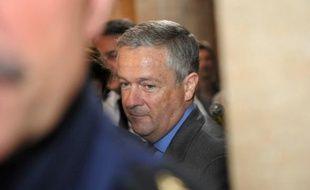Le tribunal correctionnel de Paris a décidé de repousser de quelques semaines son jugement prévu vendredi concernant l'ancien PDG de Vivendi Universal Jean-Marie Messier, poursuivi pour des malversations présumées, a-t-on appris lundi de source judiciaire.