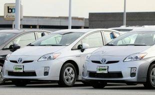 Le premier constructeur d'automobiles japonais, Toyota, va rappeler 2,77 millions de voitures dans le monde en raison de problèmes touchant la pompe à eau électrique de modèles hybrides ainsi qu'une pièce du système de direction.
