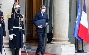 Olivier Véran quittant l'Elysée le 27 janvier 2021.