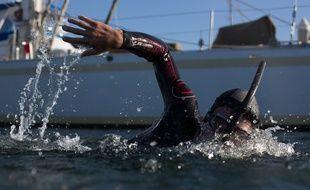 Benoît Lecomte devra nager huit heures par jour pendant six mois pour sa traversée du Pacifique.