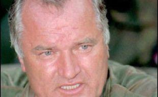 Ancien chef militaire des Serbes de Bosnie, Ratko Mladic, 62 ans, a été inculpé de génocide par le TPI en 1996 pour son rôle dans le siège de Sarajevo et dans le massacre à Srebrenica (est de la Bosnie) de près de 8.000 Musulmans.