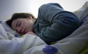 Illustration de femme en train de dormir.