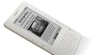 Plus fin qu'un crayon de papier, le Kindle 2 peut convenir 1.500 livres