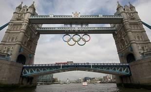 Un an après les spectaculaires émeutes qui ont enflammé des quartiers de Londres et d'autres villes, la fête olympique bat son plein sans encombres dans la capitale britannique mais les ingrédients des violences urbaines, en ces temps d'austérité, sont toujours là.