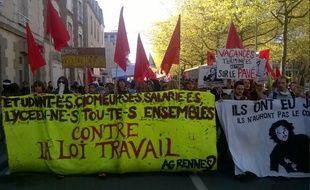Plusieurs milliers de manifestants se sont élancés ce jeudi matin à Rennes de l'esplanade de Gaulle.