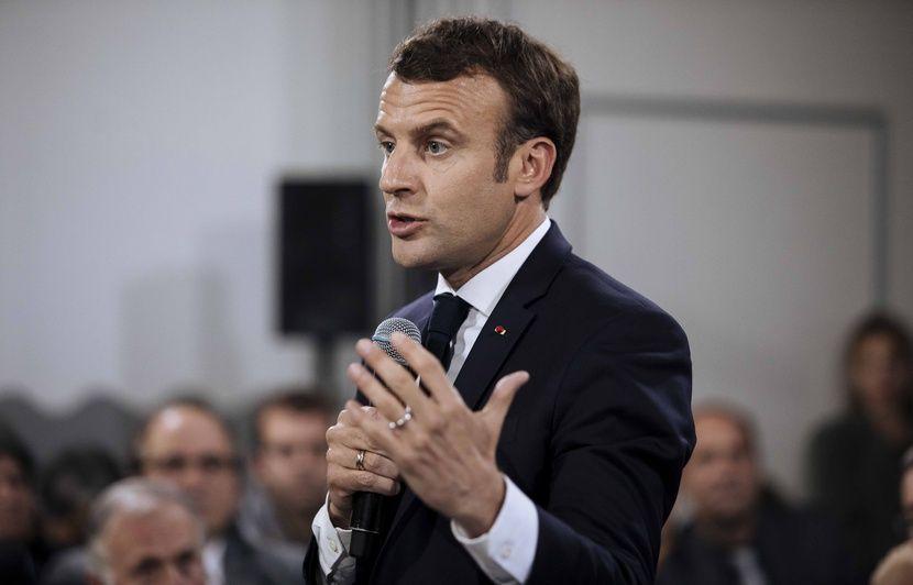 Emmanuel Macron reconnaît traîner la baisse des APL « comme un boulet »