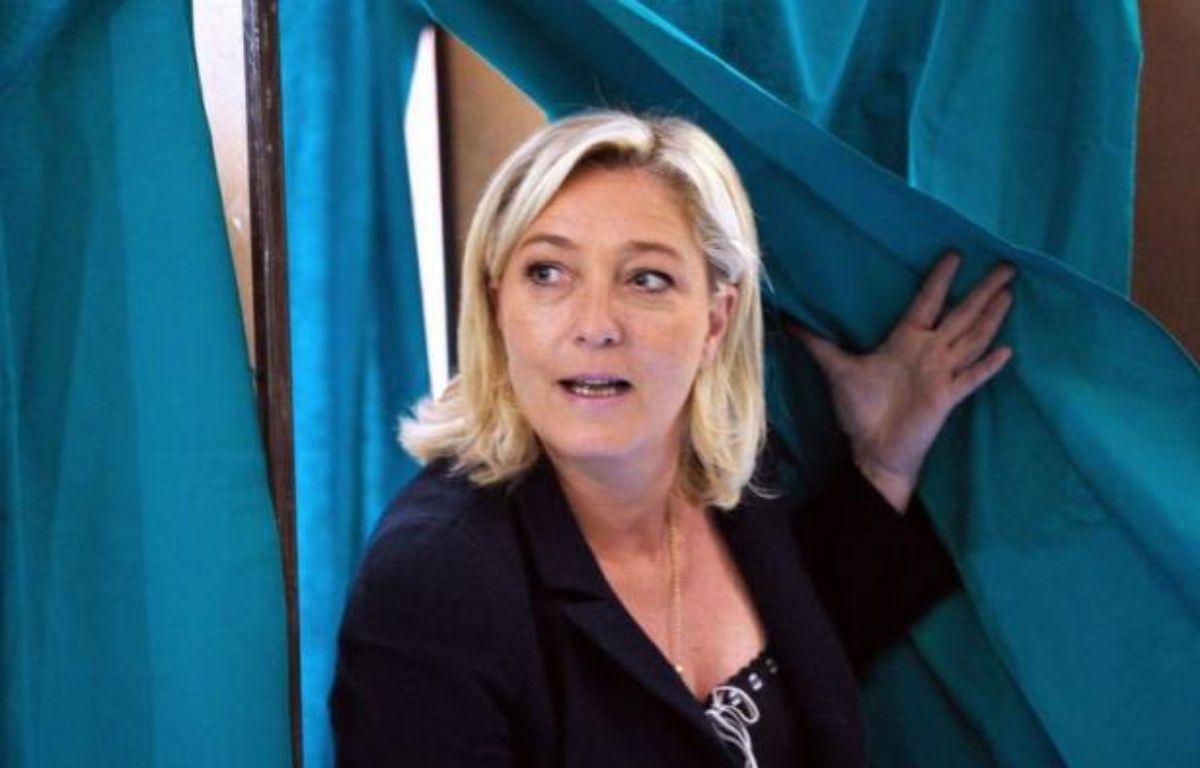 Des espoirs dans le camp de Marine Le Pen, des inquiétudes mobilisatrices au PS: le suspense est total dimanche à Hénin-Beaumont (Pas-de-Calais), où la présidente du Front national se bat aux portes de l'Assemblée contre un élu local inconnu du grand public qui bénéficie du soutien de Jean-Luc Mélenchon. – Philippe Huguen afp.com