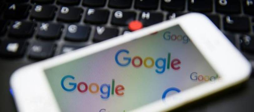 Le logo du moteur de recherche Google à Londres le 11 février 2016