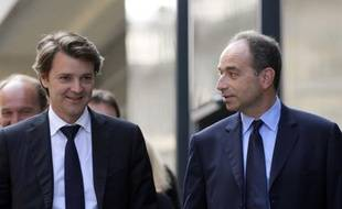 """L'ancien ministre François Baroin affirme ne pas se placer """"a priori"""" dans la """"perspective"""" d'une candidature à la présidence de l'UMP, et juge """"légitime"""" la volonté de Jean-François Copé de """"poursuivre son action"""", dans un entretien vendredi au Figaro."""